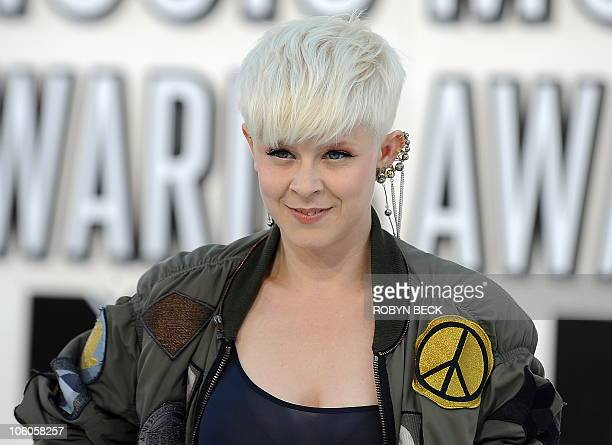 Swedish recording artist Robyn arrives at the 2010 MTV Video Music Awards at the Nokia Theater in Los Angeles on Sepetember 12 2010 AFP PHOTO / ROBYN...