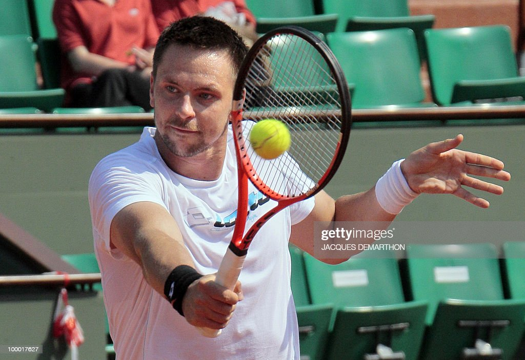 Swedish Robin Soederling, top ranking player, attends a training at Roland-Garros tennis stadium in Paris, on May 20, 2010, three days ahead of the French Open, the second Grand Slam tournament of the season.