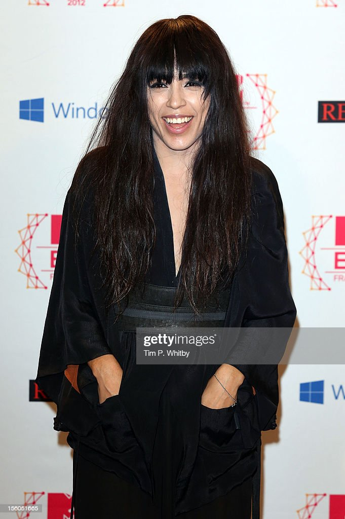 Swedish singer Loreen poses backstage in the photo room the MTV EMA's 2012 at Festhalle Frankfurt on November 11, 2012 in Frankfurt am Main, Germany.