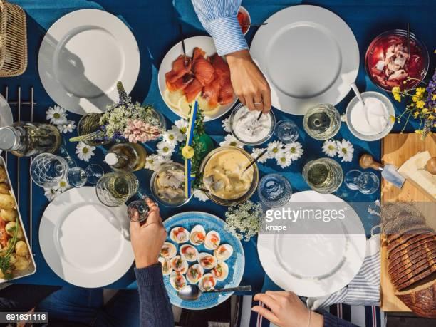 Svensk sommar Midsommar fest middag midsommarfest