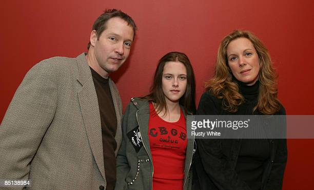 DB Sweeney Kristen Stewart and Elizabeth Perkins
