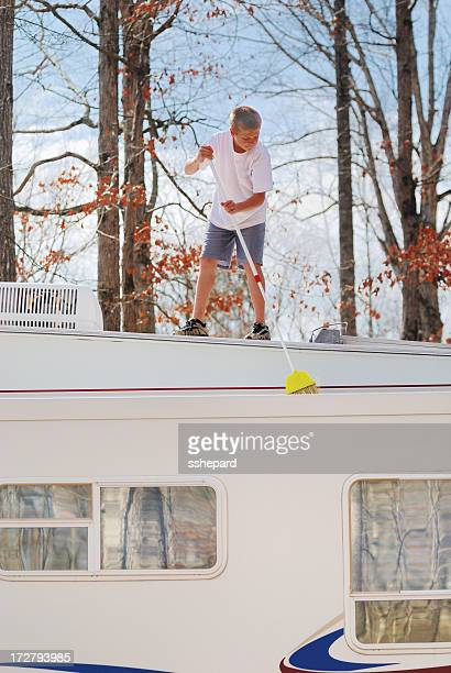 Sweeping RV slideout roof