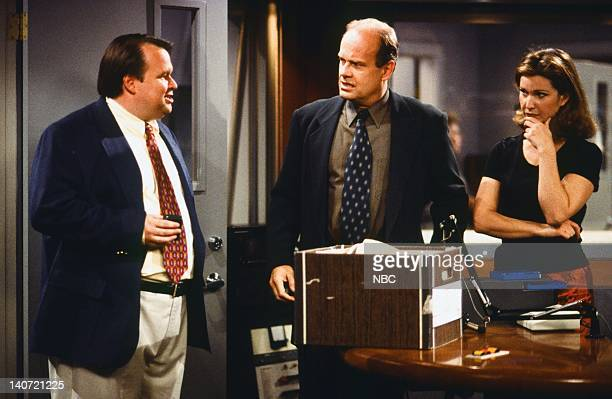 FRASIER 'Sweet Dream' Episode 24 Pictured Peri Gilpin as Roz Doyle Kelsey Grammer as Dr Frasier Crane Tom McGowan as Kenny Daly Photo by Gale M...