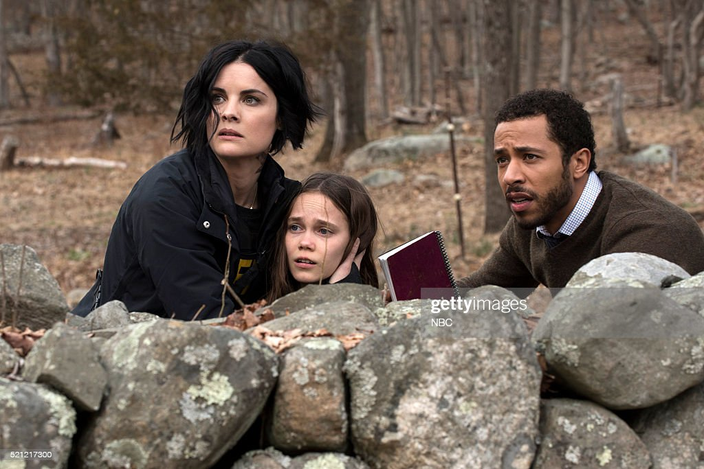 BLINDSPOT -- 'Swift Hardhearted Stone' Episode 120 -- Pictured: (l-r) Jaimie Alexander as Jane Doe, Oona Laurence as Maya, Ukweli Roach as Dr. Borden --