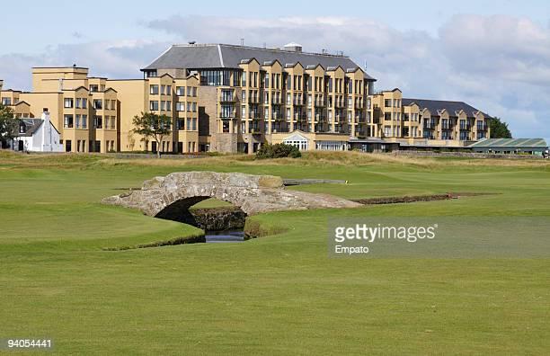 Swilken puente, St Andrews, Escocia. La casa de campo de golf.