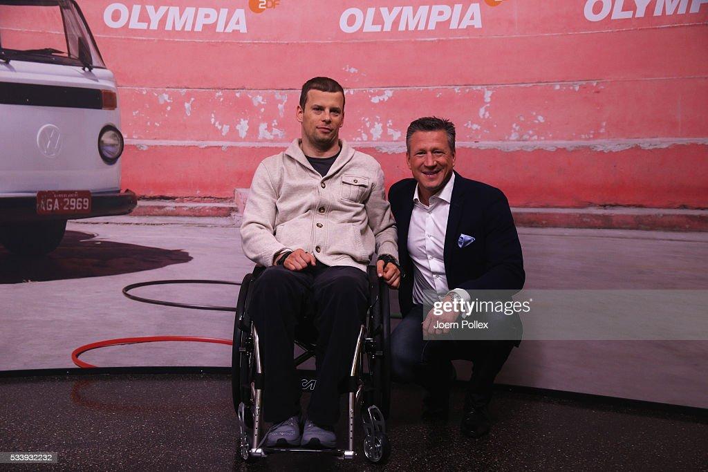 Swim expert Christian Keller (L) and gymnastics expert Ronny Ziesmer