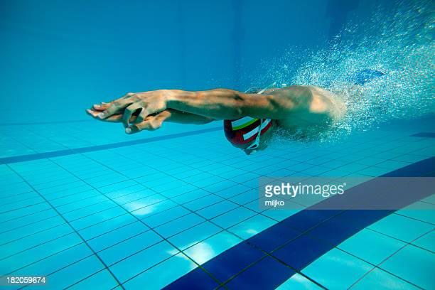 水泳、ダイビングの後は、プールでひと泳ぎ