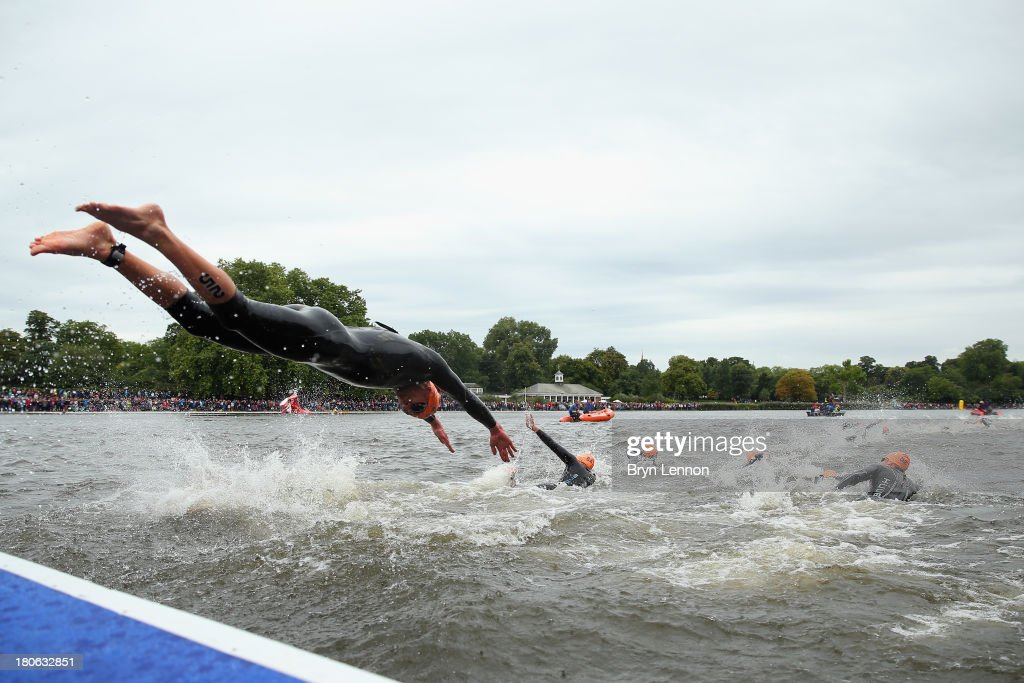 Swimmers re-enter the water on their second lap during the Elite Men's PruHealth World Triathlon Grand Final London on day five of the ITU World Championships Series at Hyde Park on September 15, 2013 in London, England.