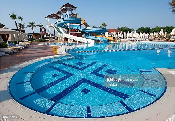 Swimming Pool Identification : Toboggan piscine photos et images de collection getty