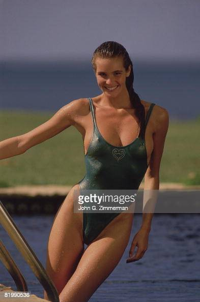 Swimsuit Issue 1987 Model Elle Macpherson poses for the 1987 Sports Illustrated swimsuit issue on September 24 1986 in Santo Domingo Dominican...