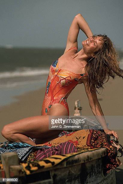 Swimsuit Issue 1989 Model Christie Brinkley poses for the 1989 Sports Illustrated swimsuit issue on November 30 1988 in Kenya CREDIT MUST READ John G...