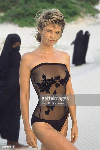 Swimsuit Issue 1989 Model Christie Brinkley poses for the 1989 Sports Illustrated swimsuit issue on November 30 1988 in Kenya PUBLISHED IMAGE CREDIT...