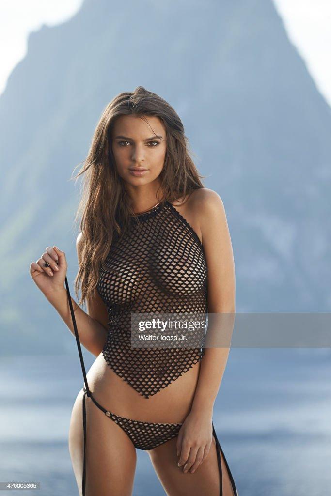 swimsuit issue 2014 model emily ratajkowski poses for the 2014 sports