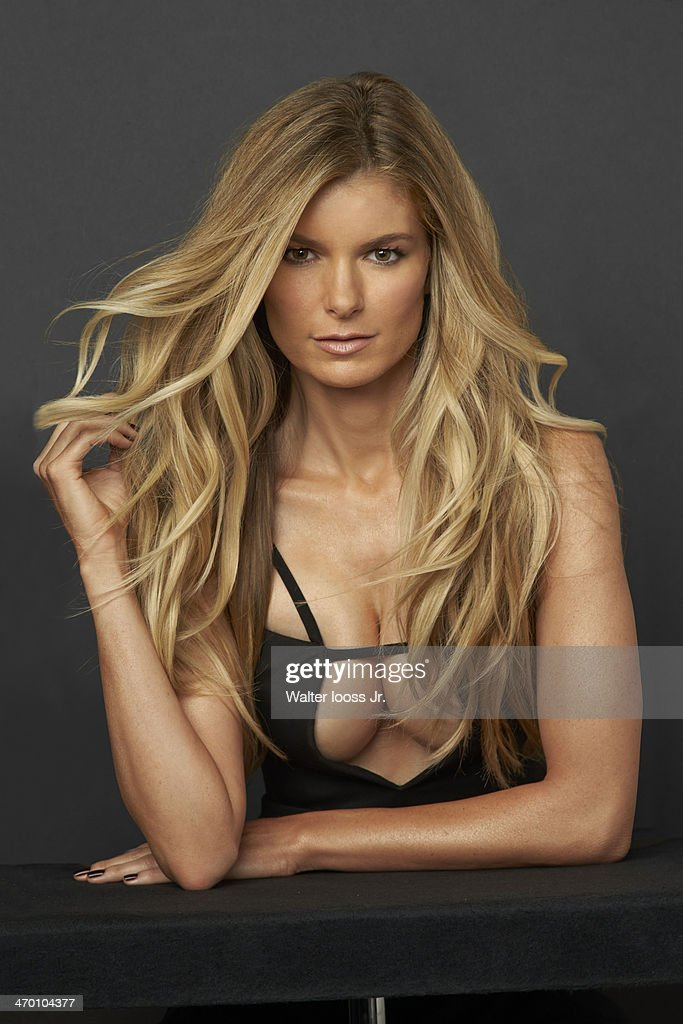 swimsuit issue 2014 model marisa miller poses for the 2014 sports
