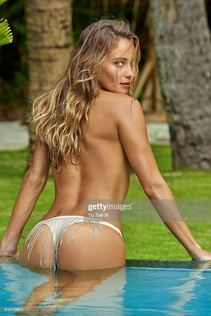 swimsuit-issue-2016-model-hannah-davis-poses-for-the-2016-sports ...