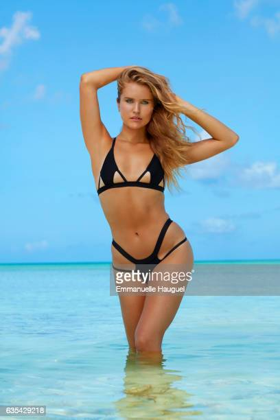 Model Sailor Brinkley Cook poses for the 2017 Sports Illustrated swimsuit issue on September 14 2016 on Turks Caicos Islands PUBLISHED IMAGE ON...