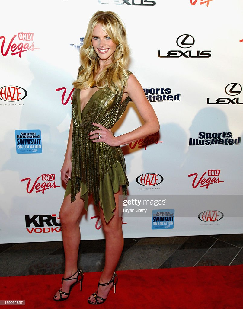 Si swimsuit model anne v arrives at the sports illustrated swimsuit