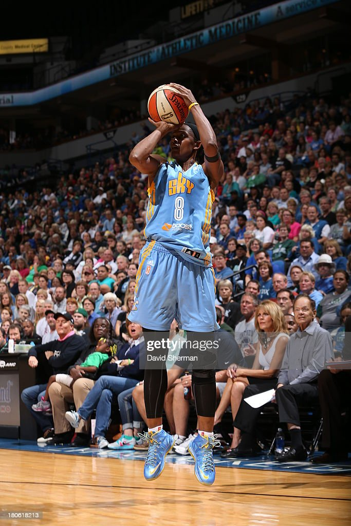 <a gi-track='captionPersonalityLinkClicked' href=/galleries/search?phrase=Swin+Cash&family=editorial&specificpeople=202486 ng-click='$event.stopPropagation()'>Swin Cash</a> #8 of the Chicago Sky takes a jump shot during the WNBA game against the Minnesota Lynx on September 14, 2013 at Target Center in Minneapolis, Minnesota.