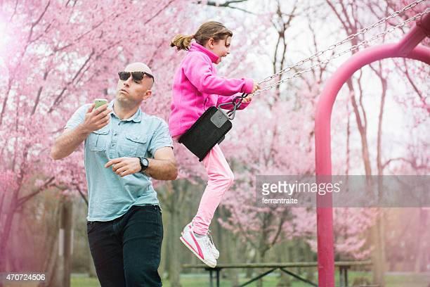 Swing Unfall im Park