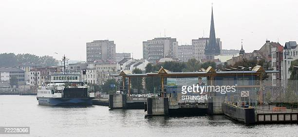 Picture shows a ship docked at the port of Swinoujscie northwestern Poland 20 October 2006 AFP PHOTO/WOJTEK TOLYZ