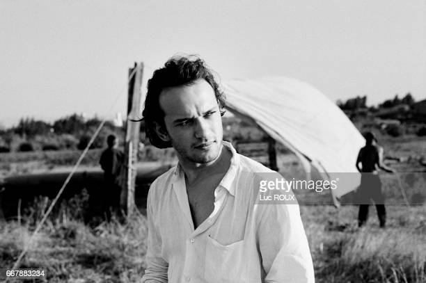 Swiss actor Vincent Perez on the set of Ligne de Vie directed by Pavel Lounguine