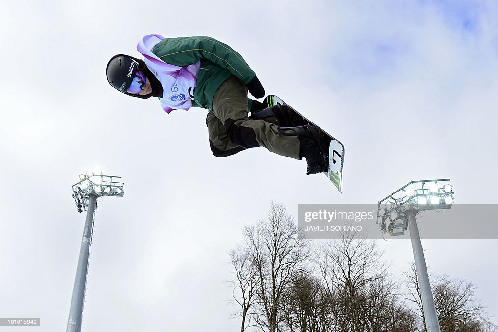 Swiss Christian Haller competes in a Half-Pipe qualifying race during the Snowboarding World Cup Test Event at Snowboard and Free Style Center in Rosa Khutor near Sochi on February 13, 2013. AFP PHOTO / JAVIER SORIANO