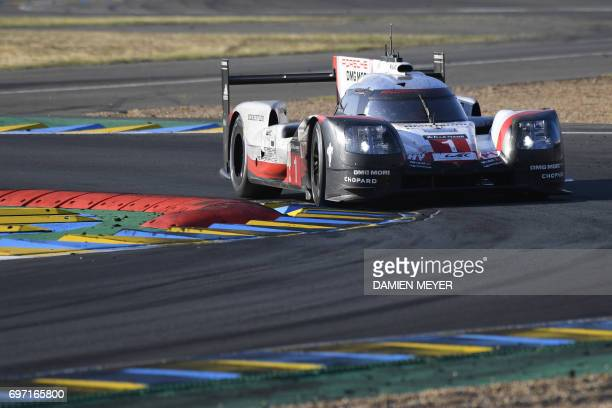 Swiss driver Neel Jani drives his Porsche 919 Hybrid N°1 during the 85th Le Mans 24hours endurance race on June 18 2017 in Le Mans western France /...