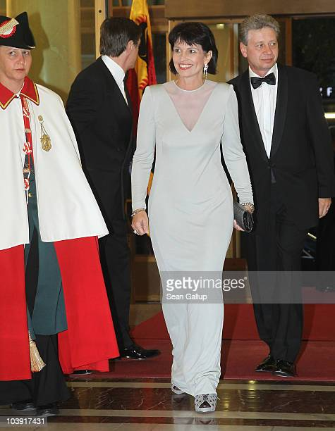 Swiss President Doris Leuthard and her husband Roland Hausin attend a state banquet in honour of German President Christian Wulff at the Berner Hof...