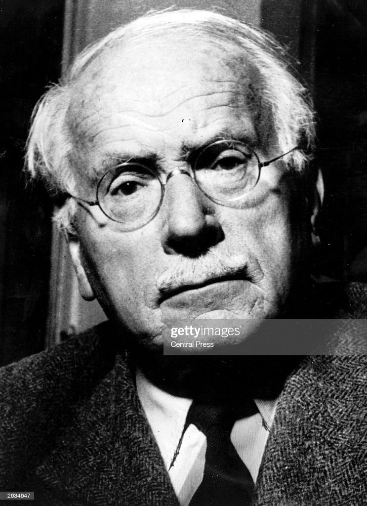 a biography of carl gustav jung swiss psychiatrist and psychotherapist It was happenstance that led dr june singer to study the work of carl gustav jung, the swiss psychologist and psychiatrist who founded analytical psychology after graduating with a bachelor's .