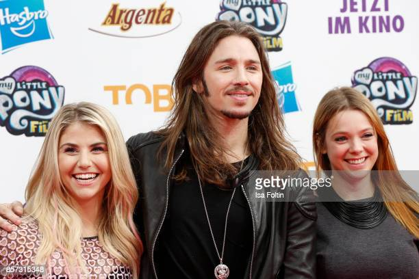 Swiss singer Beatrice Egli German singer Gil Ofarim and German actress Anne Wuensche attend the 'My little Pony' Premiere at Zoo Palast on October 3...