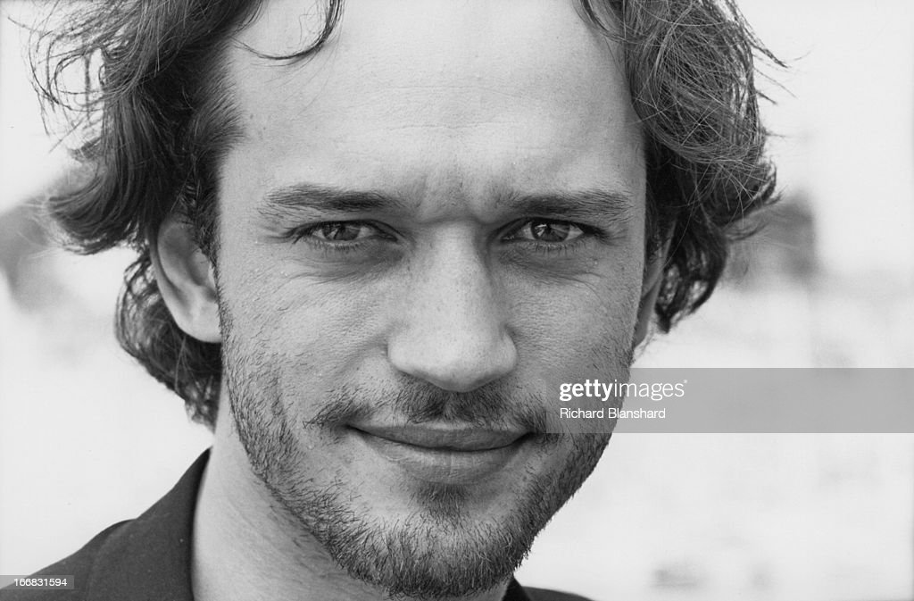 Swiss-born French actor Vincent Perez at the Hotel Du Cap in Antibes, France, shortly after the Cannes Film Festival, June 1995. He is there to publicise his upcoming film 'The Crow: City of Angels'.