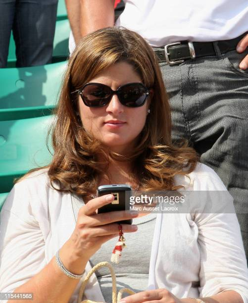 Swiss's Roger Federer pregnant girlfriend Mirka Vavrinec attend the French Tennis Open at Roland Garros arena on May 25 2009 in Paris France