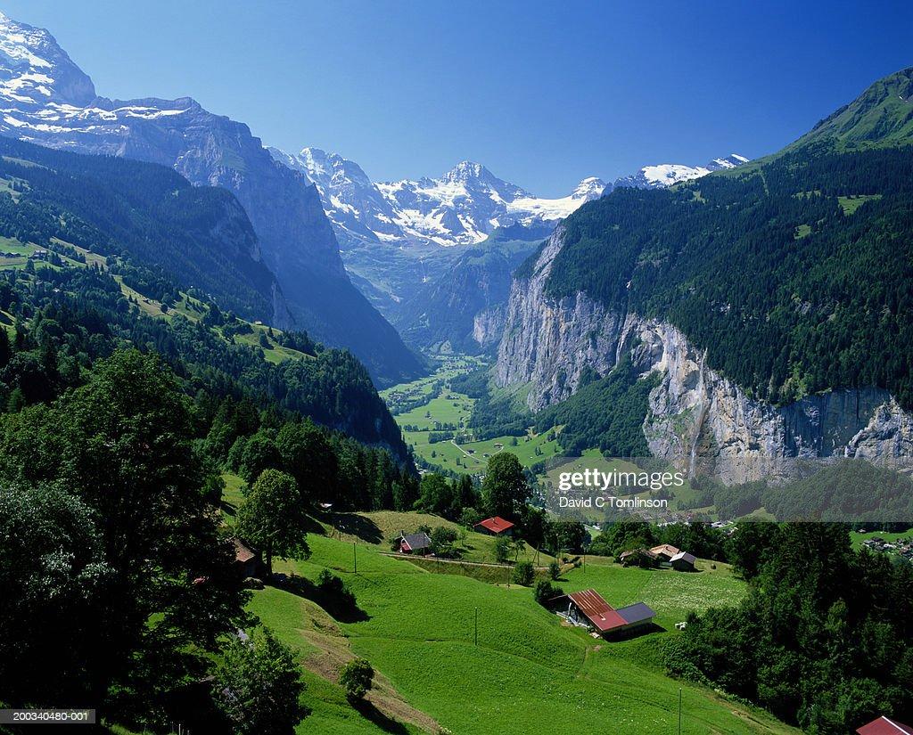 Switzerland, Bern, Wengen, Lauterbrunnen Valley