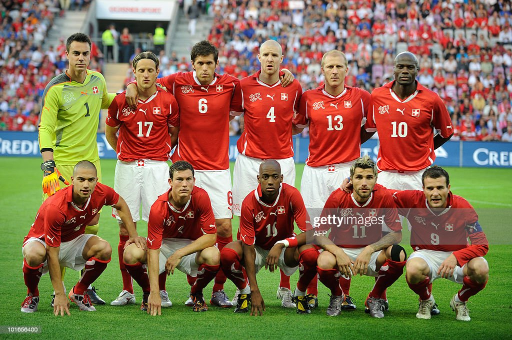 Switzerland national football team posess prior to the WC2010 friendly football match Switzerland vs Italy at Geneva's stadium on June 5, 2010 ahead of the FIFA 2010 World Cup held in South Africa. (FromL) BottomRow: Gokhan Inler, Stephan Lichsteiner, Gelson Fernandes, Valon Behrami and Alex Frei. TopRow: Diego Benaglio, Reto Ziegler, Benjamin Huggel, Philippe Senderos, Stephane Grichting and Blaise Nkufo.