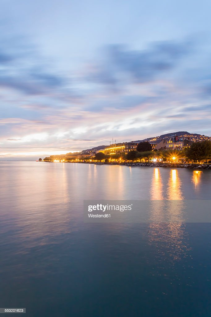 Switzerland, Vevey, Lake Geneva, townscape at dusk