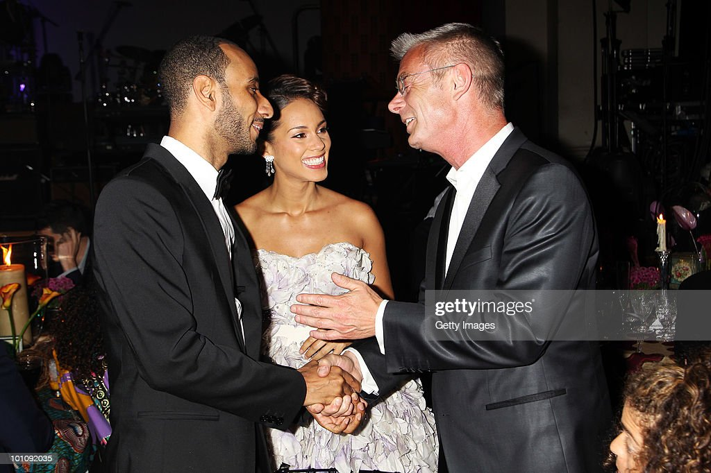 L-R Swizz Beatz, Alicia Keys and Stephen Daldry attend the Keep A Child Alive Black Ball at held at St John's, Smith Square on May 27, 2010 in London, England.