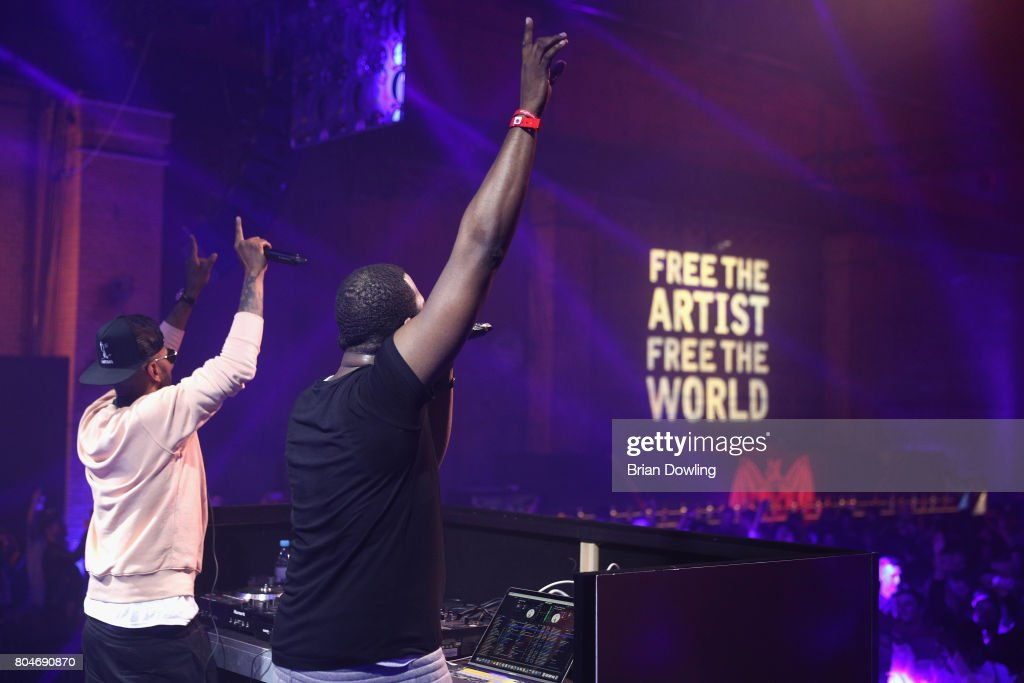 Swizz Beatz and DJ Runna perform at Bacardi X The Dean Collection Present: No Commission on June 30, 2017 in Berlin, Germany.