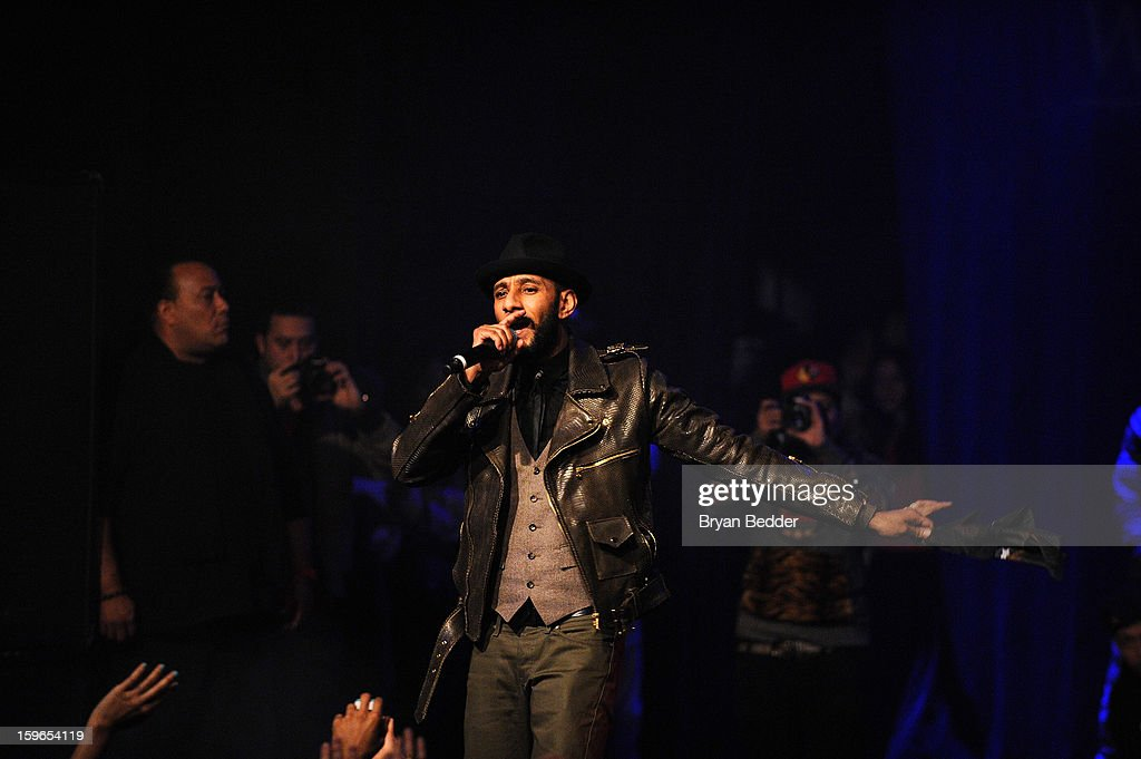 Swizz Beatz performs at VH1 Save The Music Foundation's Songwriters Music Series Remix featuring Swizz Beatz & Friends, presented by Monster DNA Headphones & William Hill Estate Winery at Hard Rock Cafe New York on January 17, 2013 in New York City.