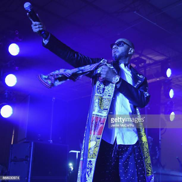 Swizz Beatz performs onstage during BACARDI Swizz Beatz and The Dean Collection bring NO COMMISSION back to Miami to celebrate 'Island Might' at Soho...