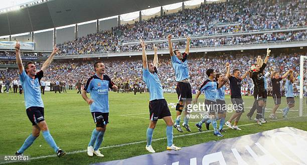 Sydney FC celebrate after winning the ALeague Grand Final between Sydney FC and the Central Coast Mariners at Aussie Stadium March 5 2006 in Sydney...