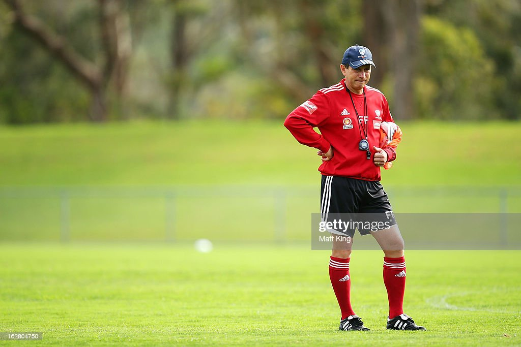 Sydney FC coach <a gi-track='captionPersonalityLinkClicked' href=/galleries/search?phrase=Frank+Farina&family=editorial&specificpeople=212825 ng-click='$event.stopPropagation()'>Frank Farina</a> looks on during a Sydney FC A-League training session at Macquarie Uni on February 28, 2013 in Sydney, Australia.