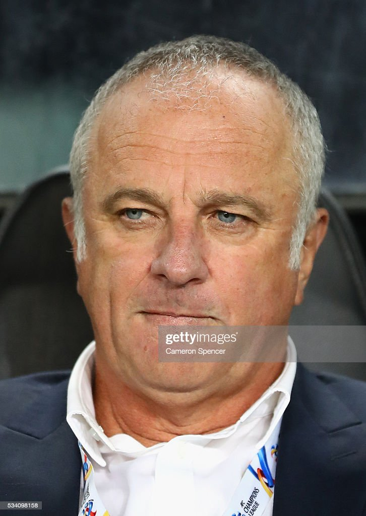Sydney FC coach Graham Arnold looks on during the AFC Asian Champions League match between Sydney FC and Shandong Luneng at Allianz Stadium on May 25, 2016 in Sydney, Australia.