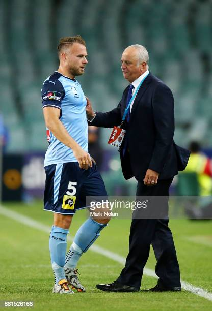 Sydney FC coach Graham Arnold talks with Jordy Buijs during the round two ALeague match between Sydney FC and the Wellington Phoenix at Allianz...
