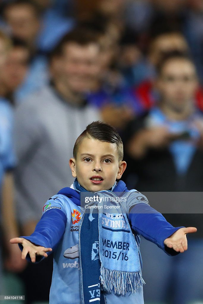 A Sydney FC fan shows his colours during the AFC Asian Champions League match between Sydney FC and Shandong Luneng at Allianz Stadium on May 25, 2016 in Sydney, Australia.