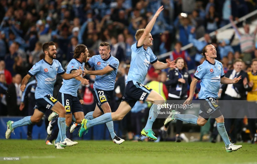 Sydney FC players celebrate winning the 2017 A-League Grand Final match between Sydney FC and the Melbourne Victory at Allianz Stadium on May 7, 2017 in Sydney, Australia.