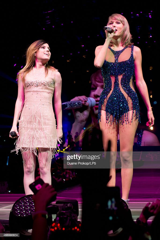 Sydney Sierota and Taylor Swift perform during The 1989 World Tour at Nationwide Arena on September 18, 2015 in Columbus, Ohio.