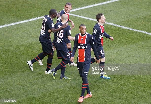 Sylvain Armand Guillaume Hoarau Blaise Matuidi Christophe Jallet and Kevin Gameiro of Paris SaintGermain celebrate the goal of Sylvain Armand FC...