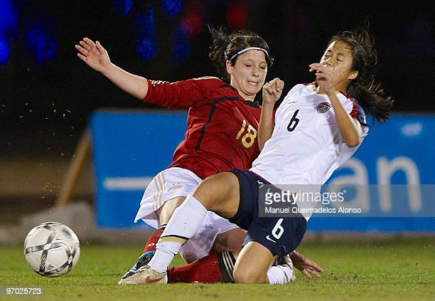 Sylvia Arnold of Germany and Rachel Quon of USA compete for the ball during the Women's international friendly match between Germany and USA on...