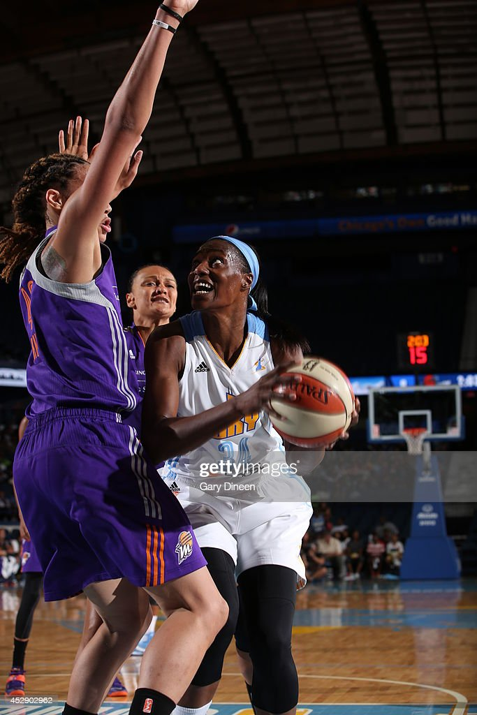<a gi-track='captionPersonalityLinkClicked' href=/galleries/search?phrase=Sylvia+Fowles&family=editorial&specificpeople=707903 ng-click='$event.stopPropagation()'>Sylvia Fowles</a> #34 of the Chicago Sky drives to the basket against the Phoenix Mercury on July 11, 2014 at the Allstate Arena in Rosemont, Illinois.