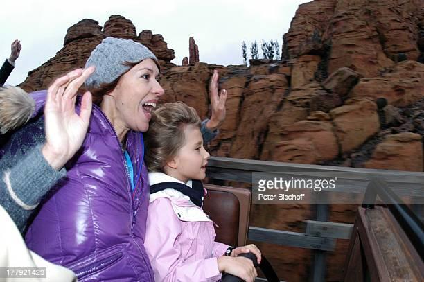 Sylvia Laubenbacher Tochter Yuma Eröffnung der Weihnachtssaison 2008 'Disneyland Park' Marne la VallŽe bei Paris Frankreich Europa Freizeitpark...